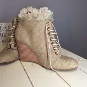 Stuart Weitzman natural canvas wedge booties